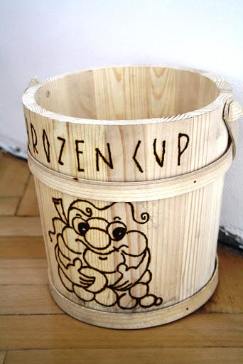 Hrozen Cup